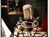 Bild på mikrofon i inspelningsstudio Playground, Halmstad