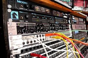 Kontrollrum - Ljudkort och patchbay